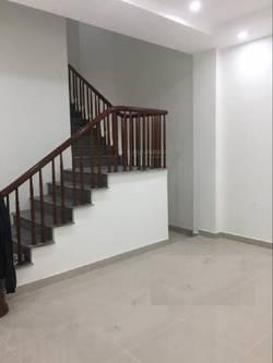 Cho liền kề 96 Nguyễn Huy Tưởng, 70m2 x 5,5 tầng, ô tô đỗ cửa, hợp làm trụ sợ Công ty, VP, Đào tạo