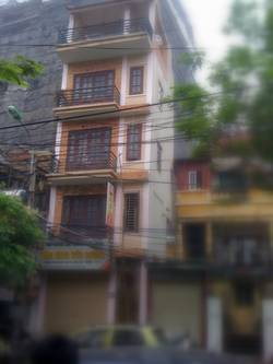 Cho thuê nhà 5 tầng mặt phố Thể Giao gần VinCom Bà Triệu, Hà Nội