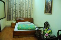 Hotel Thinh An 169 phố Đặng Tiến Đông, HN, giá nghỉ giờ chỉ 100K, qua đêm chỉ 300k