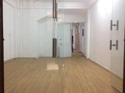 Cho thuê nhà ngõ 168 Hào Nam, 50m2 xây 5 tầng, ngõ ô tô, 15 TRIỆU