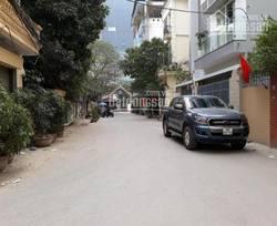 Cho thuê nhà riêng tại Ngọc Khánh, DT: 52m2 x 4 tầng, MT: 4m, giá: 50 triệu/tháng. LH: 0986476350