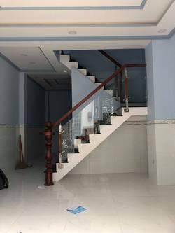 Nhà cho thuê nguyên căn. Tạ Quang Bửu p3 Q8. Dt 5 12.m 3pn. 12tr/th
