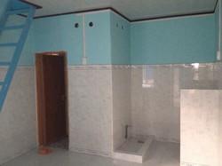 Cho thuê phòng trọ thoáng mát giá cả phải chăng, có ban công và 2 toilet riêng biệt rộng rãi