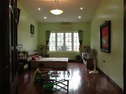Cho thuê căn hộ đủ đồ phố Phùng Hưng   Hoàn Kiếm đẹp