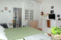 Cho thuê phòng dịch vụ và căn hộ dịch vụ đẹp   mặt tiền 73B Calmette quận 1 gần chợ Bế