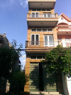Bán nhà 3 tầng, sổ đỏ chính chủ, giá phải chăng