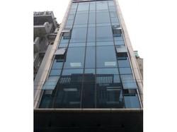 DT 90m x 6 tầng có thang máy khu hồ hoàng cầu cần cho thuê gấp 45 triệutháng ..