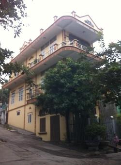 Bán nhà 3 tầng 2 mặt tiền đối diện chung cư than Hà Lầm giá 1,7 Tỷ.