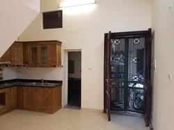 Cho thuê nhà riêng phố Bà Triệu gần VinCom