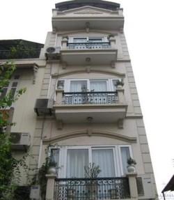 Bán nhà mặt phố Lê Duẩn DT 121m2 x 4 tầng
