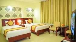 Cần bán khách sạn Đường Lương Hữu Khánh, quận 1.