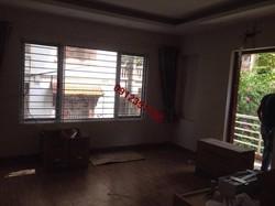 Cho thuê chung cư thang máy đủ đồ phố Đê La Thành Hào Nam