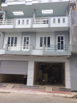 Cho thuê mặt đường 3 tầng thoáng mát rộng rãi ở Dư Hàng Kênh