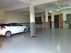 Cho thuê nhà rộng 3 lầu DT 1.000 m2 gần Big C tiện Văn phòng 18 Triệu Miễn Trung Gian