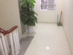 Cho thuê chung cư mini: Hào Nam, 45m2 gồm 1 phòng ngủ, 1 phòng khách liền bếp, vệ sinh khép kín