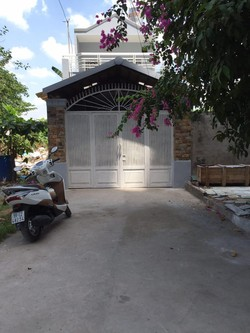 Cho thuê nhà Nguyên căn để ở và làm văn phòng - Đường Nguyễn Xí   giá thuê 12tr