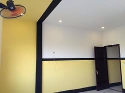 Cho thuê nhà mới xây 3 lầu KDC 586 có 9 máy lạnh 15 triệu Miễn Trung Gian