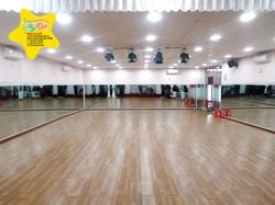 Cho thuê phòng tập nhảy, hội thảo, dạy học...