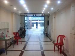 Cho thuê nhà nguyên mặt tiền số 94 Trần Bình Trọng, Q5. Đối diện Cao đẳng Kinh tế đối ngoại. 79tr/th