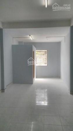 Phòng mới, sạch sẽ, cực thoáng nằm ngay mặt tiền đường Nguyễn Kiệm, Gò Vấp, giá 2.5 triệu