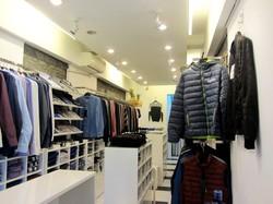 Sang nhượng shop thời trang được thiết kế chỉnh chu.