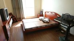 Chính chủ bán căn hộ 84m2 2 phòng ngủ đủ nội thất giá rẻ