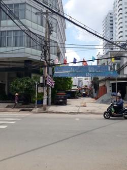 Cho thuê nhà 2 mặt tiền Tân Hương P.Tân Quy. Quận Tân Phú. DT 7m x 18m, lửng, 4L, sân thượng, 100 tr