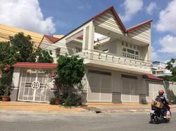 Cho thuê Biệt Thự đẹp 2 lầu có đồ đạc gần Vincom Cần Thơ Miễn Trung Gian