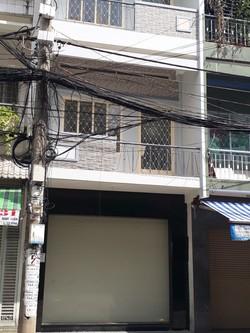 Cho thuê nhà mặt tiền Lê Minh Xuân, P7, Q Tân Bình. DT: 4m x 25m, 3 lầu. giá 45 triêu/ tháng