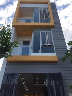 Cần bán gấp nhà quận 2 mới xây rất đẹp, Diện tích 4x25m, 3.5 tỷ