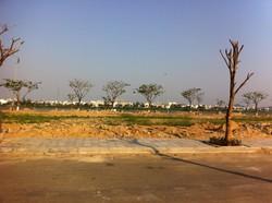 Cho con du học bán lô đất 110 m2 gần trường học, đối diện sân golf, cách bãi tắm 300m 875 triệu