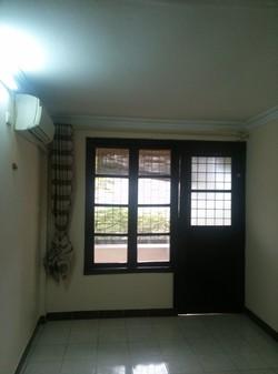 Cho thuê sử dụng căn hộ Tầng 05, mặt đường Liễu Giai, Gần UBND Ba Đinh