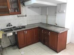 Cho thuê căn hộ tập thể phố Lê Thánh Tông 75m2 mới sửa đẹp