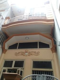 Bán gấp nhà 2.5 tầng ngõ Hoàng Quý, giá 1.6 tỷ