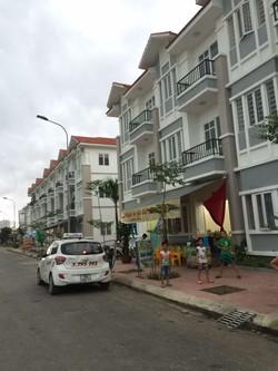 Cần bán nhà DT: 43m2 . Giá 394 triệu khu đô thị Pruksa Town, An Đồng. An ninh tốt, View đẹp