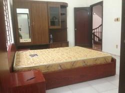 Cho thuê phòng máy lạnh, có giường, tủ, nệm trên đường Chu Văn An, giá 3.3 triệu/tháng