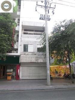 Nhà khu đất vàng cho thuê mặt tiền đường Lê Thánh Tôn. Q1  4x20m, trệt, 3 lầu. Giá 55 Triệu/Tháng