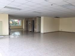 Chính chủ cho thuê văn phòng quận 5. diện tích đa dạng từ 35 đến 220m2/1 sàn. giá từ 9 đến 60tr