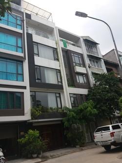 Nhà ngõ 61 Phạm Tuấn Tài, 75m2 xây  5 tầng, đường 8m, giá 18 triệu