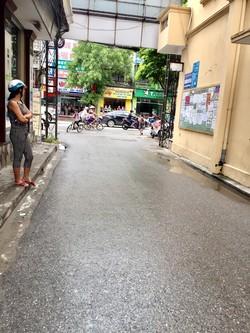 Bán nhà 3 tầng xây mới độc lập Trần Nguyên Hãn - cạnh trường Võ Thị Sáu , hướng Đông Nam chỉ 1.38 tỉ