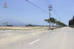 Bán lô đất nền đối diện công viên và gần trường học,cách bãi tắm cuân thiều 800m