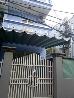 Bán nhà mới xây 920tr , 1 lầu 1 trệt ngay chợ Hóc Môn, hỗ trợ bao sang tên.