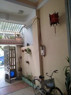 Cho thuê nhà mới đẹp, 1 trệt 2 lầu, có sân thượng. 11tr