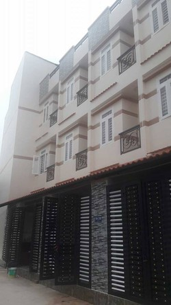 Nhà vào ở liền đường Lê Văn Quới.DTSD 120m2. hẻm 5m SHR