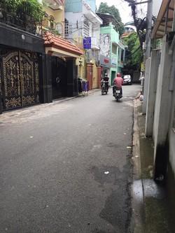 Bán HXH Lam Sơn, P.2, TB:  4,5x35m , 1 Trệt 4 Lầu, Giá 12 Tỷ.