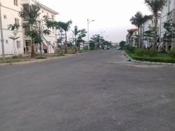 Bán nhà mặt tiền 5m kiến trúc Mahatan-Vinhome,đường rộng 11m