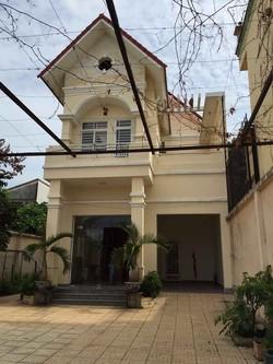 Bán nhà riêng MT đường 215, Hoàng Hữu Nam P. Tân Phú, Q9, giá 24 tr/m2
