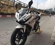 1 Cần bán xe Honda CBR150R NK Indolesia nguyên chiếc,phiên bản mới 2016.ODO 541km nha.Hồ sơ gốc cầm ta