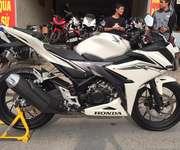 3 Cần bán xe Honda CBR150R NK Indolesia nguyên chiếc,phiên bản mới 2016.ODO 541km nha.Hồ sơ gốc cầm ta
