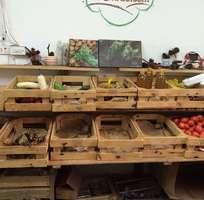Cần thanh lý điều hòa LG - kệ gỗ thông đựng rau củ